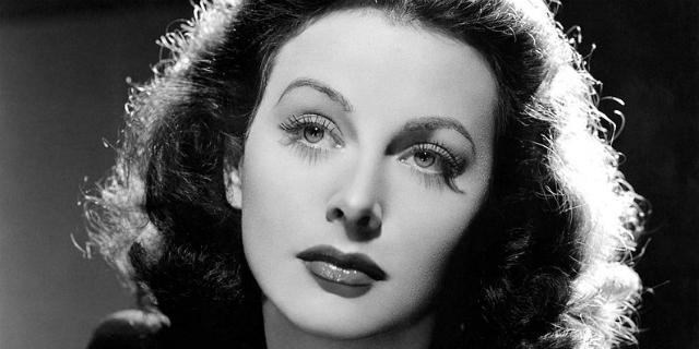 """Hedy Lamarr, la """"ragazza più bella del mondo"""" che inventò il wi-fi"""