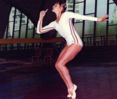Nadia Comaneci e quel disperato tentativo di non far sbocciare un corpo asessuato