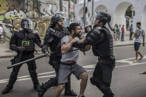 L'odio feroce per le donne e i gay in 10 frasi orribili di Bolsonaro