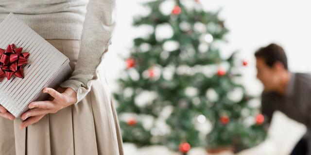 Idee Regalo Economiche Per Natale.Regali Di Natale Per Lui 9 Idee Originali Ed Economiche Roba Da Donne