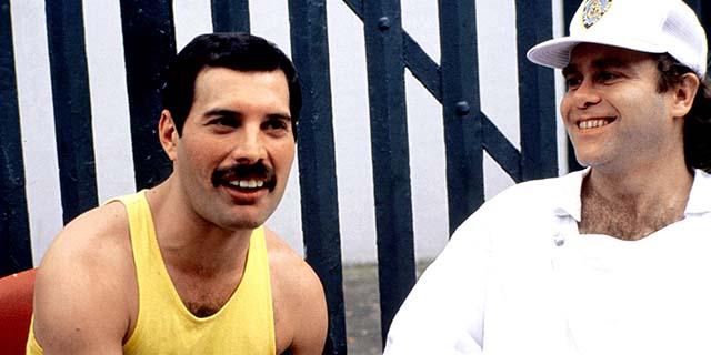 L'incredibile racconto di Elton John degli ultimi giorni di Freddie Mercury