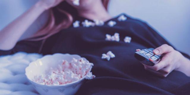 Binge watching: occhio agli effetti collaterali della serie tv mania