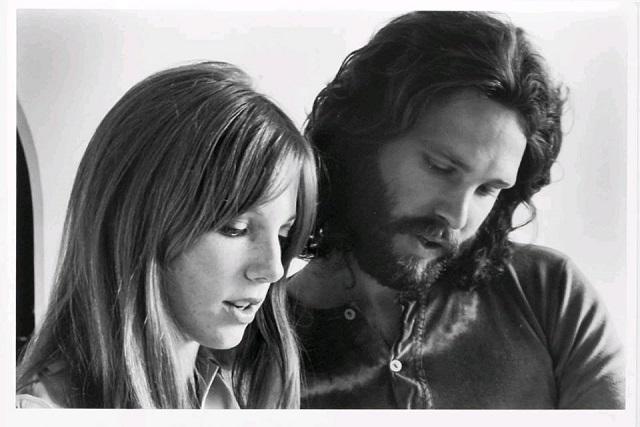 Pamela Courson, la più amata da Jim Morrison, che lo vide morire