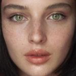"""La bellezza della tenacia: chi è Alice Pagani, da """"Loro"""" a """"Baby"""""""