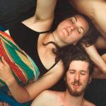 Viaggio nei Rainbow Gathering, alla scoperta dei paradisi degli hippie moderni