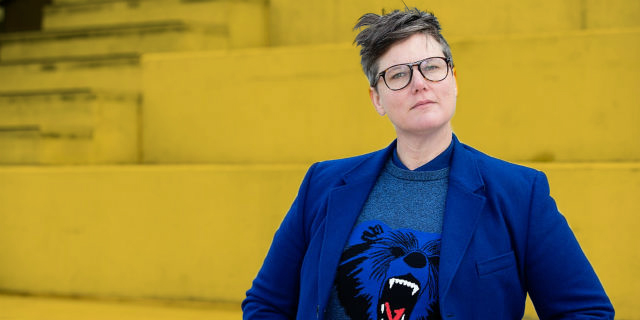 Hannah Gadsby, il potere di far ridere se ti picchiano perché lesbica