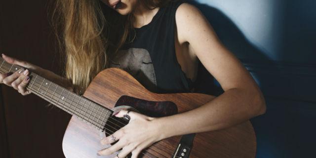 Sorprese per lui: suonare la sua canzone preferita