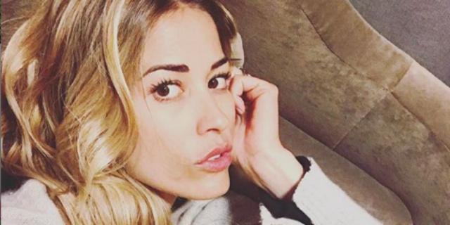 Nuovo ripugnante attacco social a Elena Santarelli sul figlio malato