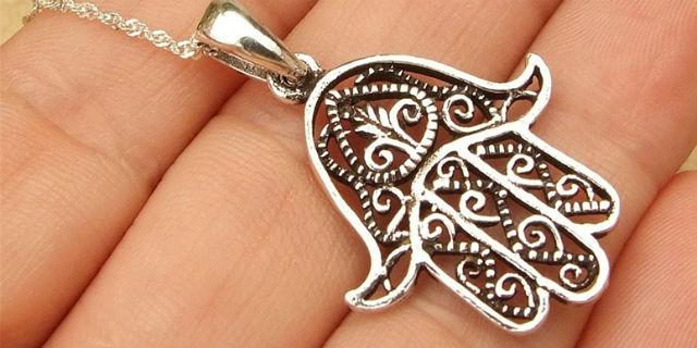 Mano di Fatima: simbolo di forza, protezione e pazienza
