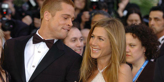 "Brad Pitt e Jennifer Aniston ""flirtano"" in videocall per una buona causa"
