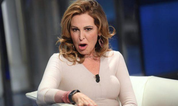 """""""Sgozzate quella cagna"""" e gli insulti sessisti alle donne con ruoli pubblici"""