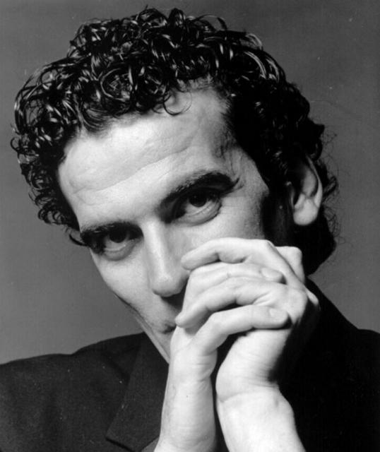 Massimo Troisi, che sapeva di dover morire e scelse di farlo vivendo