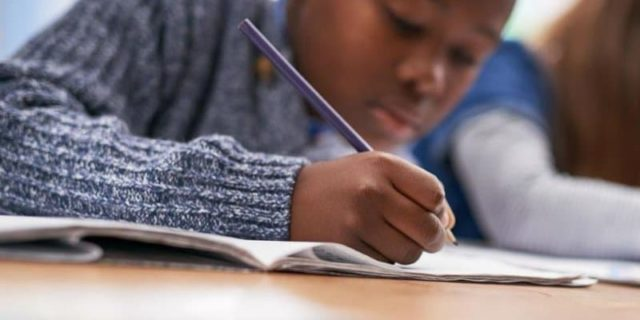 """Se nelle scuole italiane si fanno """"esperimenti"""" sui bambini neri"""