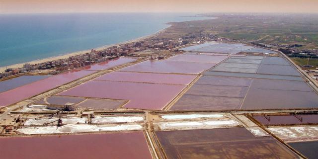 La Magic Pink laguna e altri 13 posti nel mondo in cui l'acqua è rosa