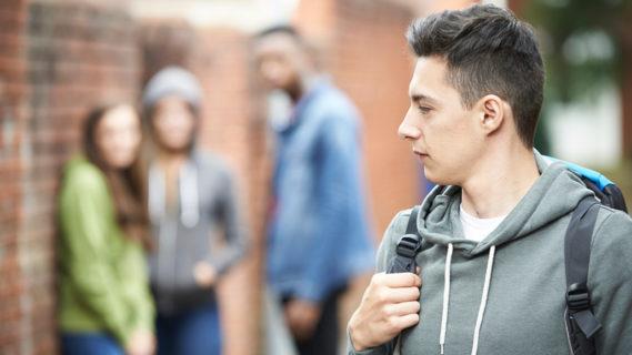 """""""Noi, da ex bullizzati, aiutiamo quei ragazzi che soffrono e che nessuno vede"""""""