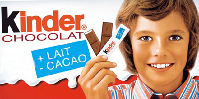 Com'è cambiato il volto del bambino sulle barrette Kinder Cioccolato