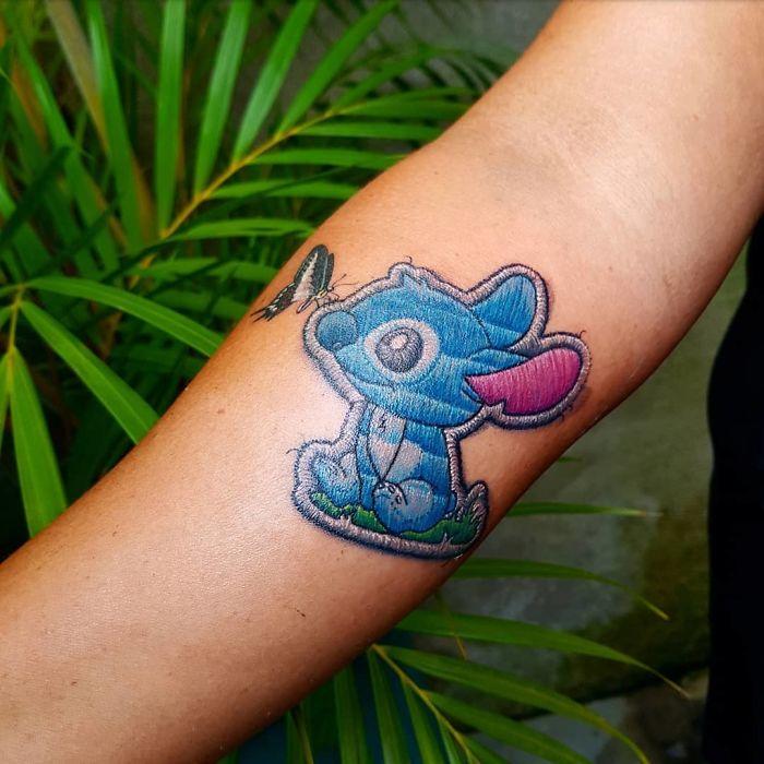 """27 tatuaggi """"ricamati"""" che sembrano veri"""