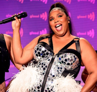 """""""Sono bella e sono ancora grassa"""": il post di Lizzo per chi ha criticato la sua dieta"""
