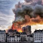 Quel che resta di Notre Dame: 15 scatti dall'inferno