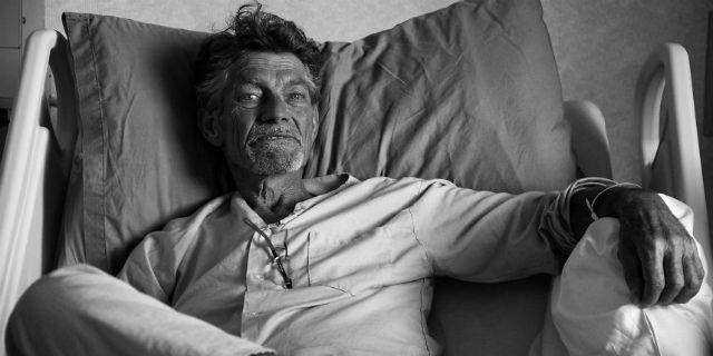 """""""Perché ho fotografato gli ultimi 19 giorni di vita di mio padre"""""""