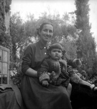 """Paloma, essere figlia di Picasso e dell'unica donna che """"si salvò da lui"""""""