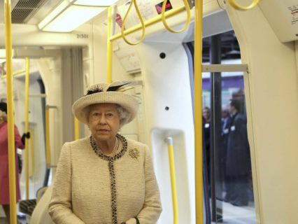 Elisabetta II: 10 motivi per cui è la vera ribelle reale e il suo unico errore