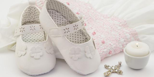 Regali per battesimo: dai giocattoli ai gioielli fino all'omaggio solidale