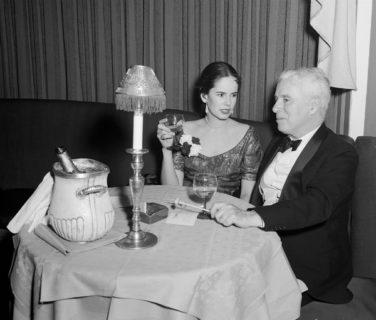 """Oona O'Neill, la moglie Lolita di Charlie Chaplin, """"l'uomo più sadico"""" di tutti"""