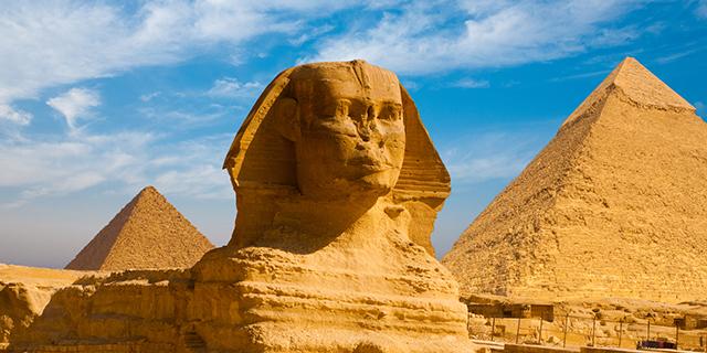 Il motivo crudele per cui tante statue dell'Antico Egitto hanno il naso rotto
