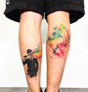Tattoo Legs: 30 ipnotici tatuaggi per gambe colorate (o in bianco e nero)