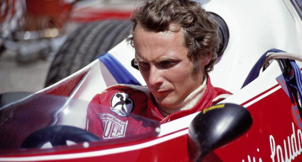Le donne al fianco di Niki Lauda, l'uomo con la storia scritta sul viso dalle fiamme