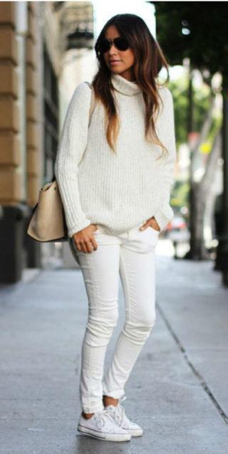 Outfit Converse, come abbinare le iconiche sneakers: 10 look