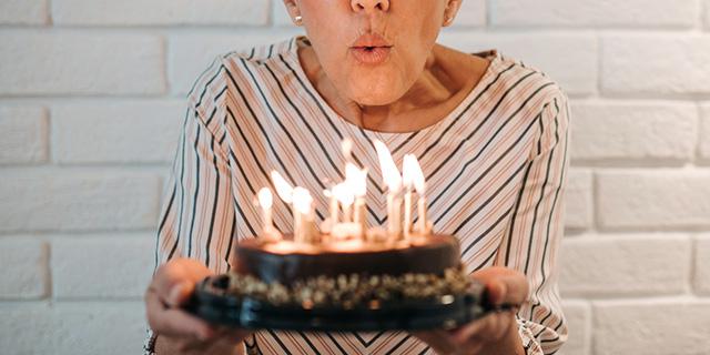 Ogni donna ha tre diverse età: vuoi scoprire qual è la tua?