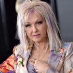 66 anni colorati e ribelli di Cyndi Lauper, la ragazza che voleva solo divertirsi