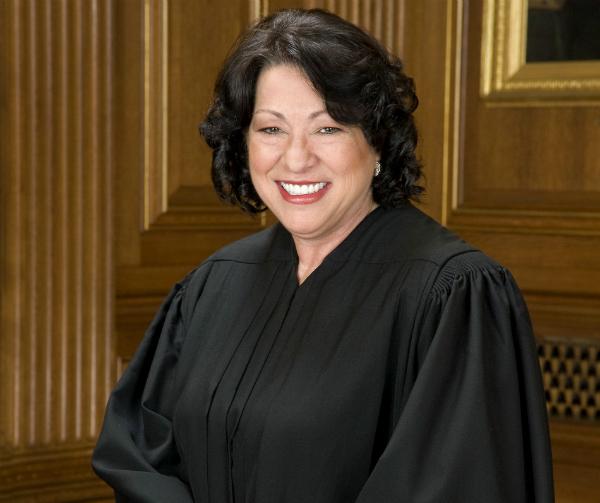 Sonia Sotomayor e quello smalto rosso troppo indecente per una donna per bene