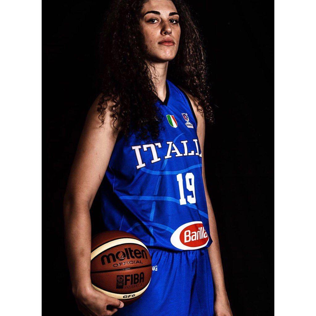 """""""Perché principessa e non giocatrice di basket?"""": le azzurre della pallacanestro"""