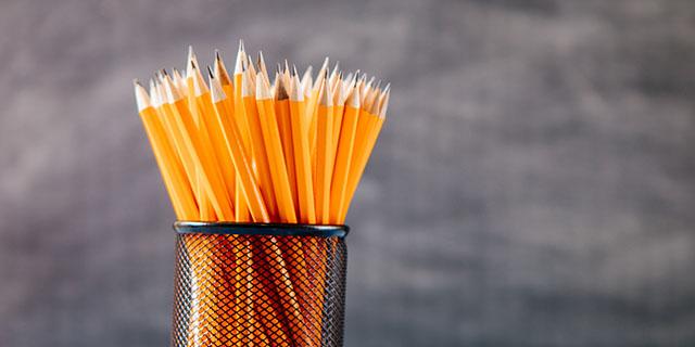 Il vero motivo per cui molte matite sono gialle