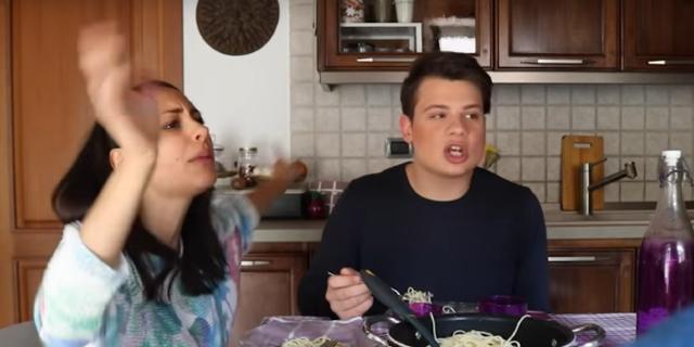 Solo chi ha un fratello (o una sorella) può capire [VIDEO]