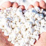 C'è una spiaggia che sembra fatta di popcorn: per vacanze super Instagram