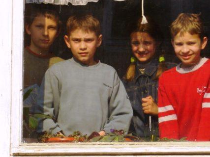 I figli di Chernobyl che nessuno accoglie più: come ospitarne uno
