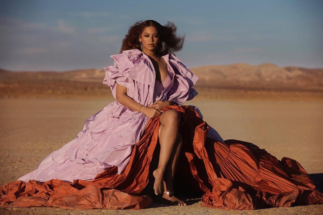 """Beyoncé, perché una vera eroina """"sculetta e dice cose profonde, fa come le pare"""""""