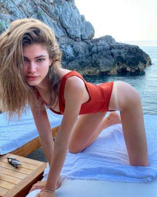 Chi è Valentina Sampaio, prima modella trans di Victoria's Secret