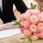 L'amore sotto contratto: vantaggi (e svantaggi) degli accordi prematrimoniali