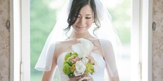 Perché in Giappone le donne si stanno sposando da sole