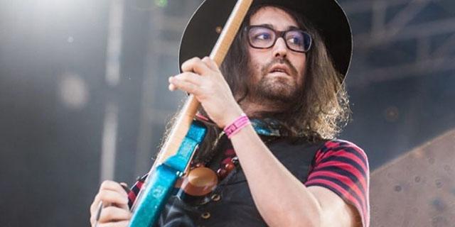 Chi è e cosa fa Sean Lennon, il figlio di John e di Yoko Ono