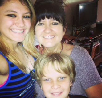 Donna, pilota, sorda: chi è Ashley Fiolek, che la disabilità non definisce