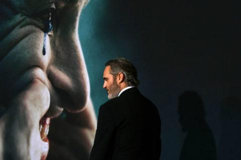Joaquin Phoenix diventa papà e omaggia il fratello River, morto tra le sue braccia