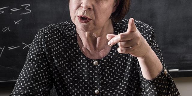 Quando la bulla è una professoressa che umilia una studentessa