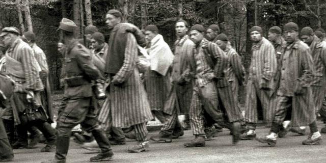 I racconti dalla Marcia della Morte che ne uccise 15.000 e non nascose nulla