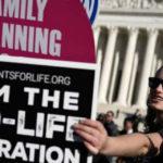 Pro vita: le obiezioni a 4 punti di vista di un movimento che dice di amare la vita